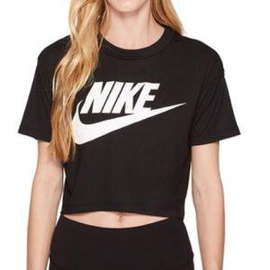 Nike Women's Essential Crop Top